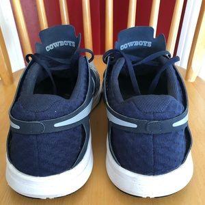 Nike Shoes - Men's Nike Dallas Cowboys Speed Shoes size 13!!!